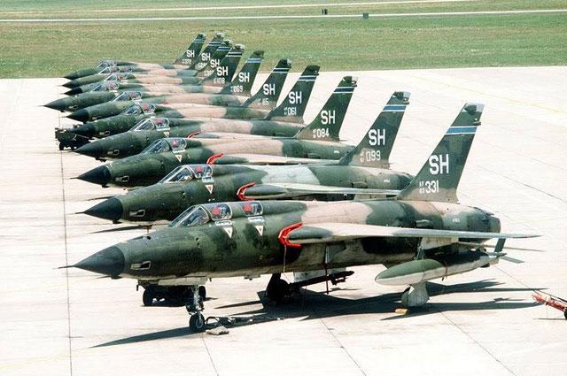 Republic F-105G Thunderchief (Fighter-Bomber)
